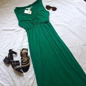 Long green maxi summer sleeveless dress